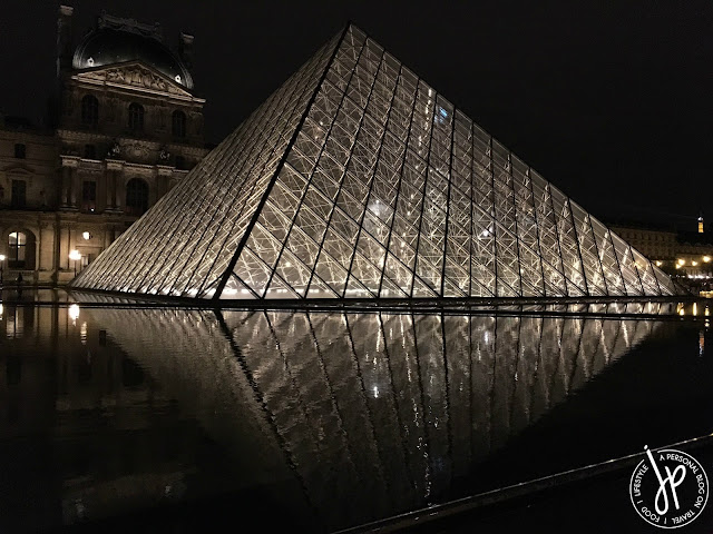 the louvre pyramid, glass pyramid