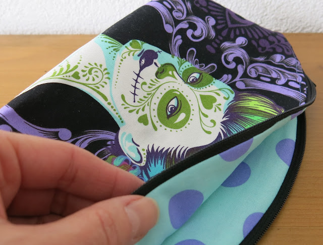 Luna Lovequilts - Petal Pouch in De La Luna collection by Tula Pink - Back side and lining