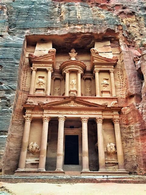 Petra Jordan lost city the treasury Al Khazneh