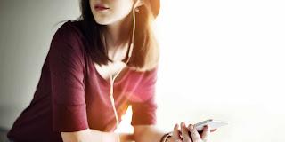Berkurangnya Pendengaran akibat alat musik seperti Ipod