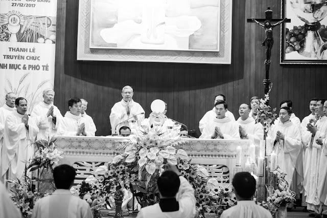 Lễ truyền chức Phó tế và Linh mục tại Giáo phận Lạng Sơn Cao Bằng 27.12.2017 - Ảnh minh hoạ 45