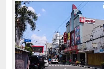 Hari ke - 4 Ramadhan Pusat Pembelanjaan Jalan Dhoho Masih Sepi