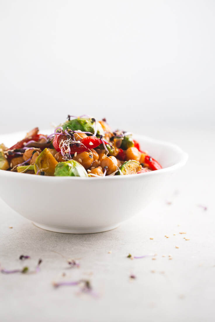 Chickpea Wok - I always made my woks with rice or noodles, but it is a classic at home since I discovered this chickpea wok. It is a vice, and the recipe is straightforward.