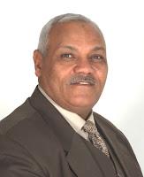 العالم المصرى الدكتور شحات سعيد ابو ذكرى رئيس مؤسسة فاستر ماث على مستوى العالم