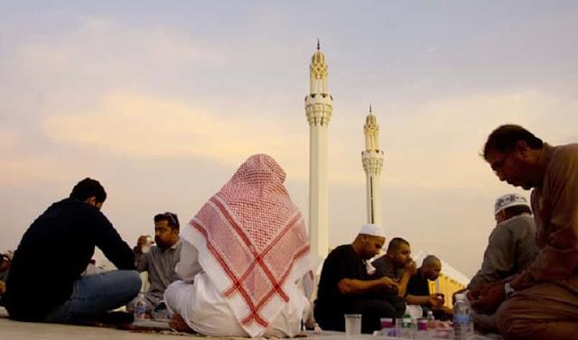 Saudi Arabia to suspend Taraweeh Prayers in Ramadan at Mosques during Coronavirus Pandemic