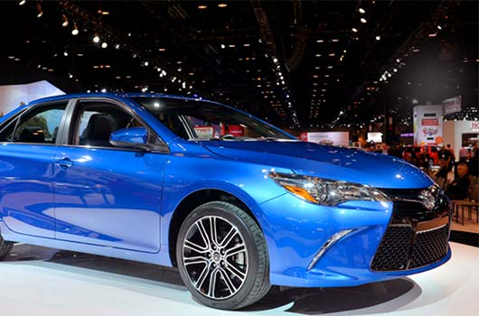 2016 Toyota Camry LE Specs Canada Exterior