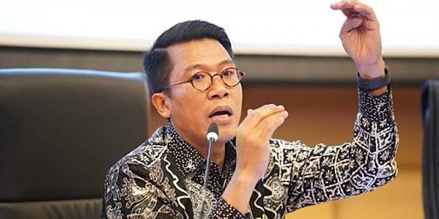 Dibanding Menteri Lain, Airlangga Paling Loyal Kepada Presiden Jokowi