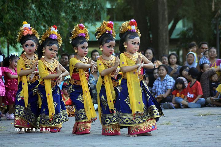 SECRET LIFE Sinopsis Tari Daerah Bali  Oleg Tamulilingan