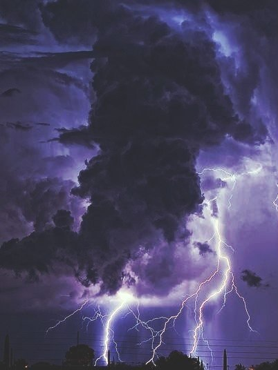 A truly fascinating spectacle Lightning HD Live Wallpapers