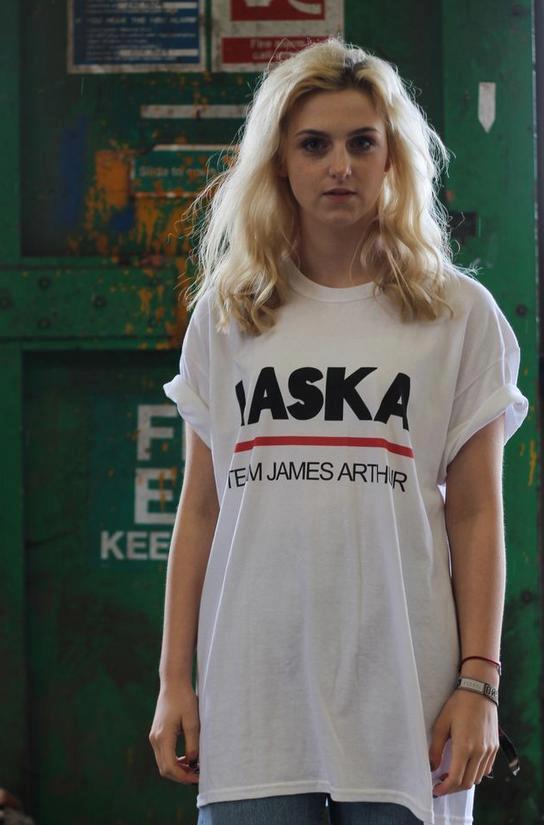 Olivia Buck wearing Laska Sak