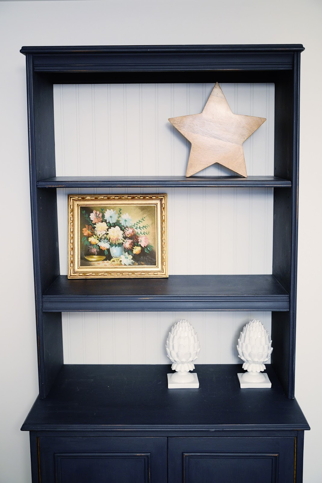 easy tips for styling a bookcase | Ramblingrenovators.ca