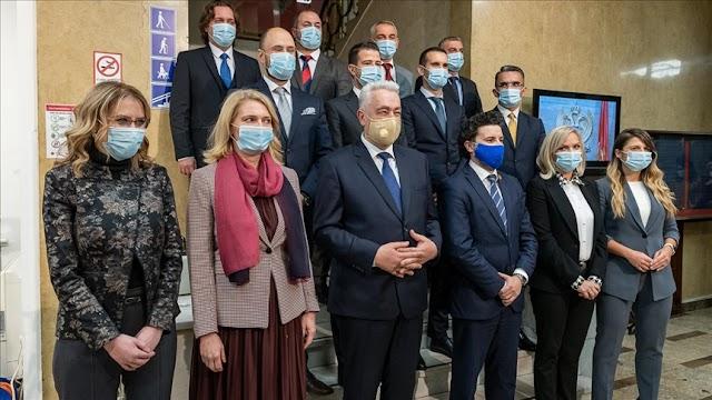 Nova Vlada zatvorila vrata institucija za Bošnjake i Albance