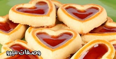 كيك قلوب عيد الحب بالفراولة والشيكولاة