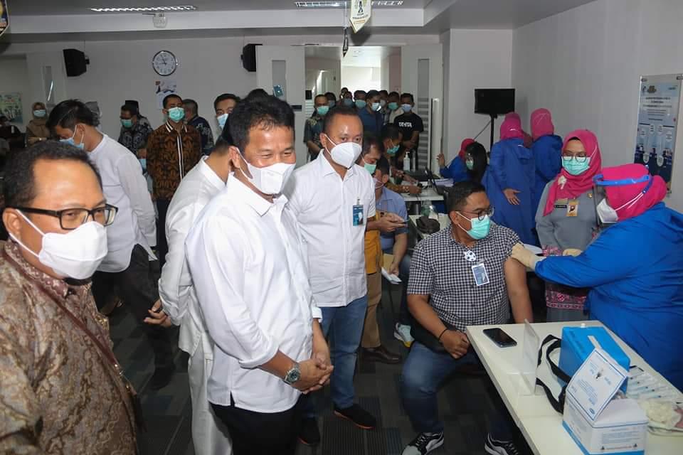Sebanyak 3.977 Pegawai Bank Disuntik Vaksinasi Covid-19 Yang Digelar Pemko Batam Bekerjasama BMPD Kepri