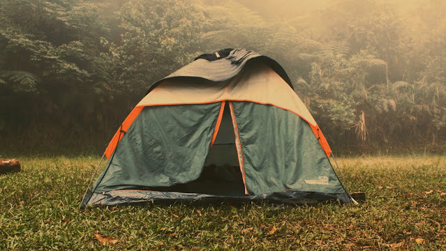 Tenda dome paling umum untuk kemah atau pendakian
