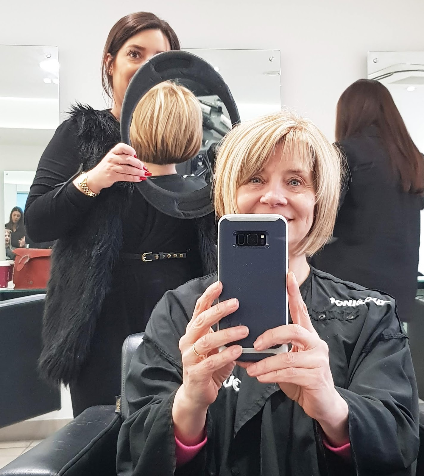 Haircut and colour - tint base and highlights - on short bobbed hair