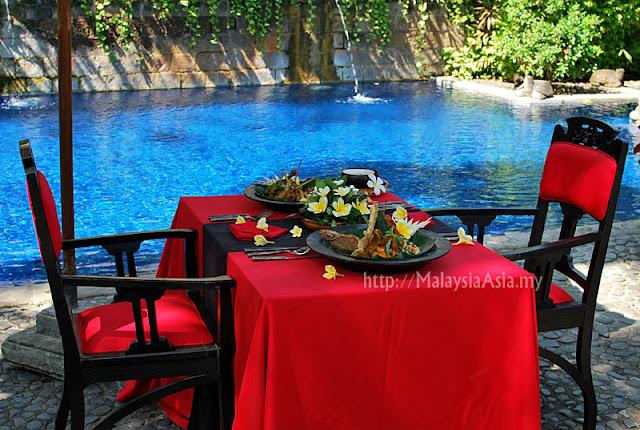 Swimming Pool at Hotel Tugu Canggu