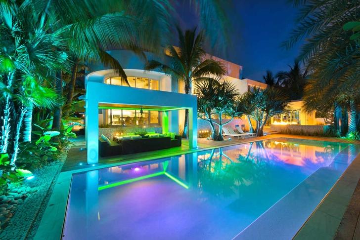 Modern Mansion With Amazing Lighting Florida