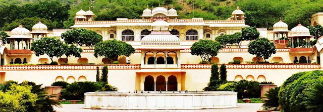 Jaipur Attraction : Sisodia Rani Bagh Jaipur