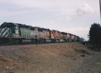 Burlington Northern GP39-2 #2711 in Vancouver, Washington, in March, 1997