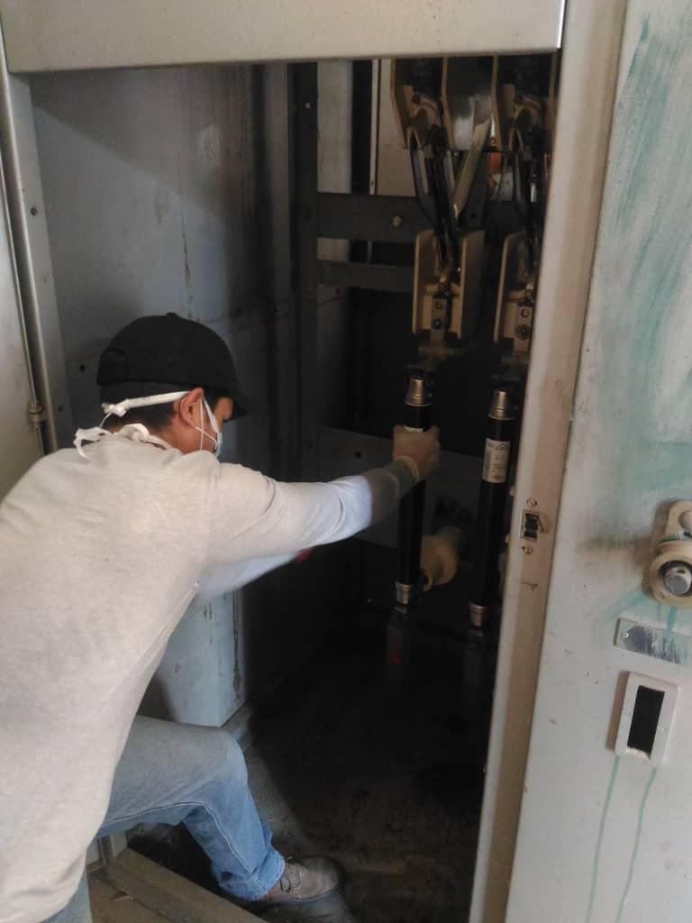 APURE: Realizaron mantenimiento preventivo en subestación interna del hospital Pablo Acosta Ortiz.