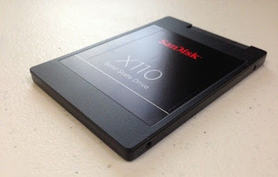 SSD (Solid State Drive)