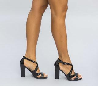 Sandale cu toc gros inalt negre din piele lacuita