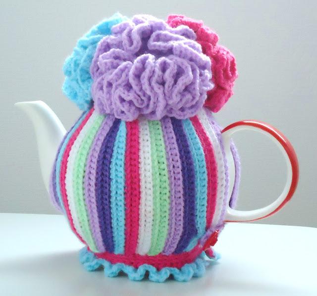 Miss Julias Patterns: Free Patterns - 20+ Tea Cozy to Knit & Crochet