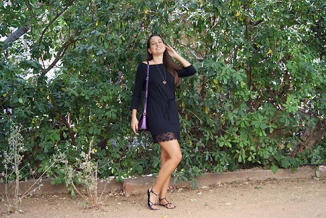 920dec3ff6c5 ... μας ήθελα να σας δείξω αυτό το φόρεμα το οποίο είχα κάποια στιγμή κόψει  υπερβολικά κοντό και κατάφερα να το μακρύνω προσθέτοντας ένα κομμάτι  δαντέλας.