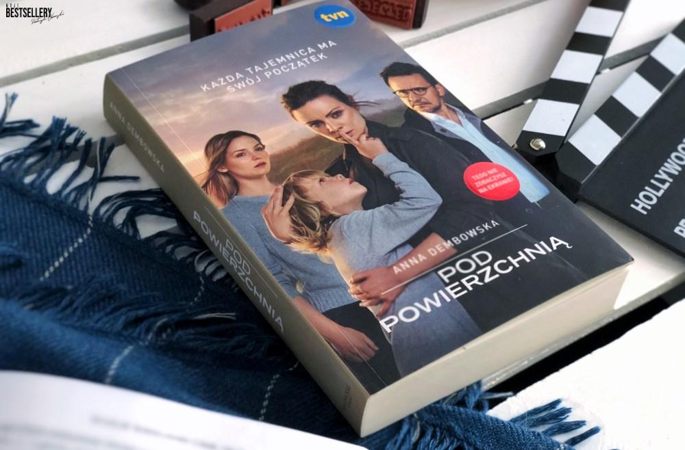 Pod powierzchnią książka
