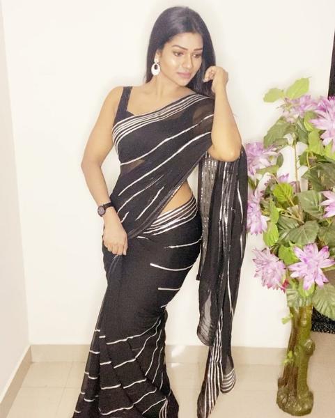 Film Actress Leesha Eclairs Hot In Saree Navel Queens