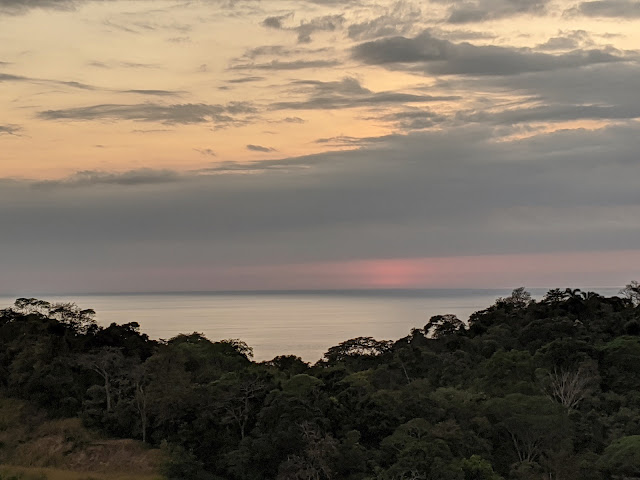 Costa Rica Itinerary: Sunset in Manuel Antonio