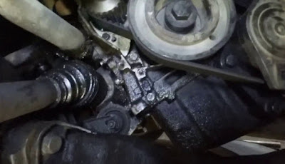4 Bahaya Vital Jika Oli Mesin Mobil Bocor
