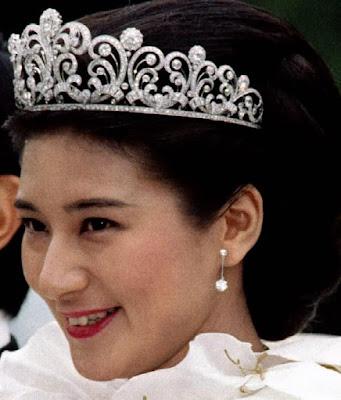 diamond scroll tiara empress michiko japan crown princess masako