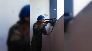 Sniper Perempuan Kurdi