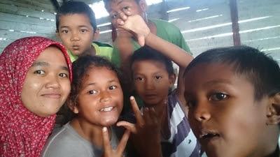 Anak-anak Gantong, Belitong Timur