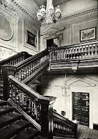 Schody z duszą - Skinner's Hall London fot https://spitalfieldslife.com