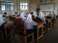 Siswa-siswi SMPN 6 Danau Panggang Dapat Sosialisasi Wasbang dari Babinsa Koramil-11