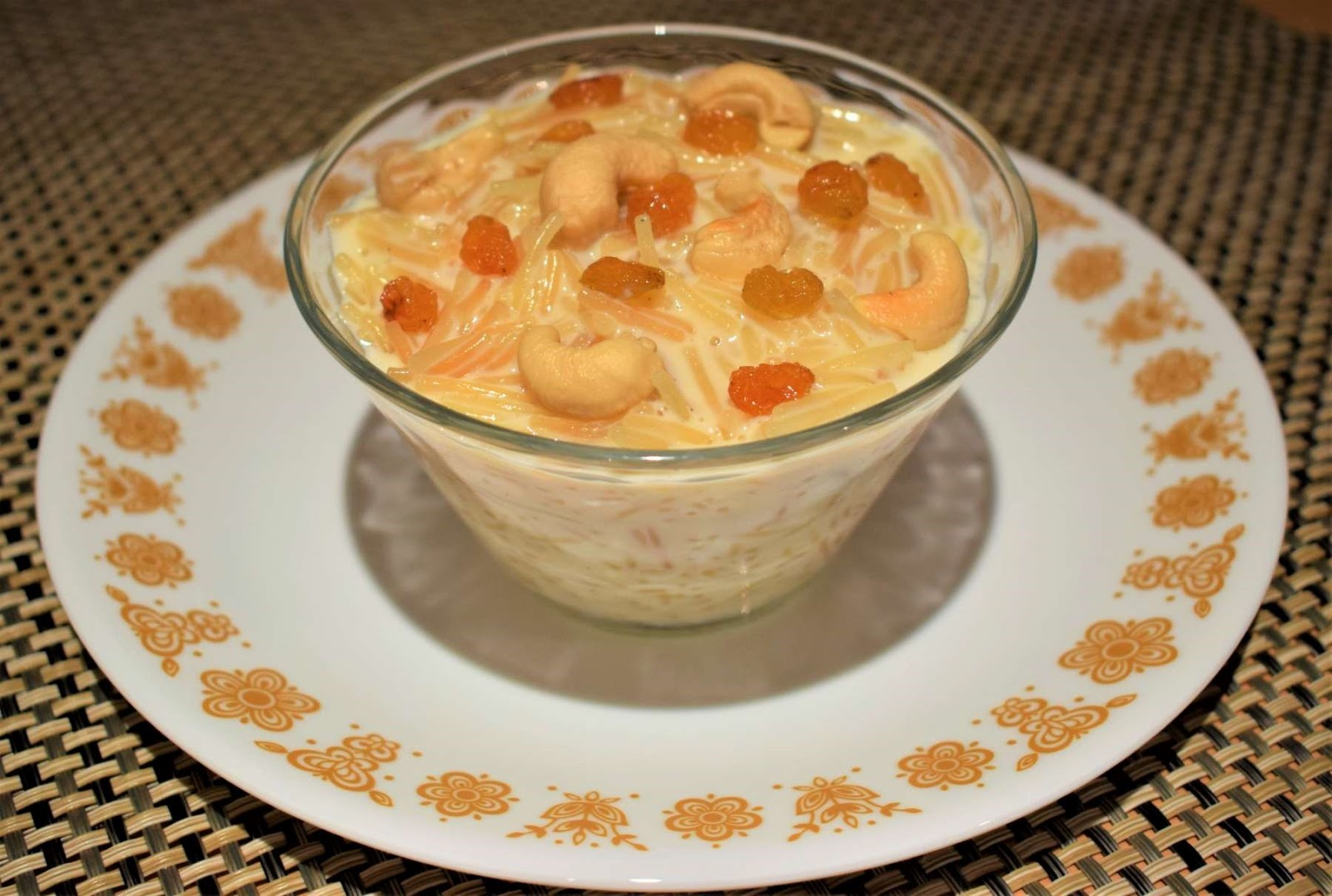 Indian Dessert, Quick and Easy, Seviyan Kheer | Vermicelli Pudding, Rumki's Golden Spoon, Recipe with vermicelli, Indian dessert recipe, kheer recipes, simui er payesh, sewai ki kheer, Eid special dessert recipe, Eid special Seviyan Kheer, Diwali special dessert recipes with milk