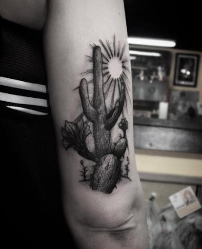 Este preto e cinza tinta cacto tatuagem