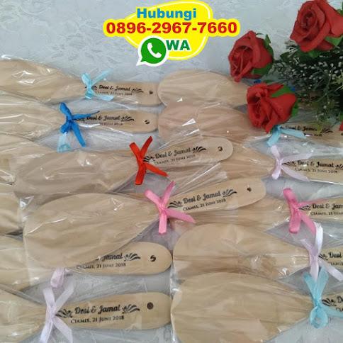 souvenir pernikahan centong plastik 54111