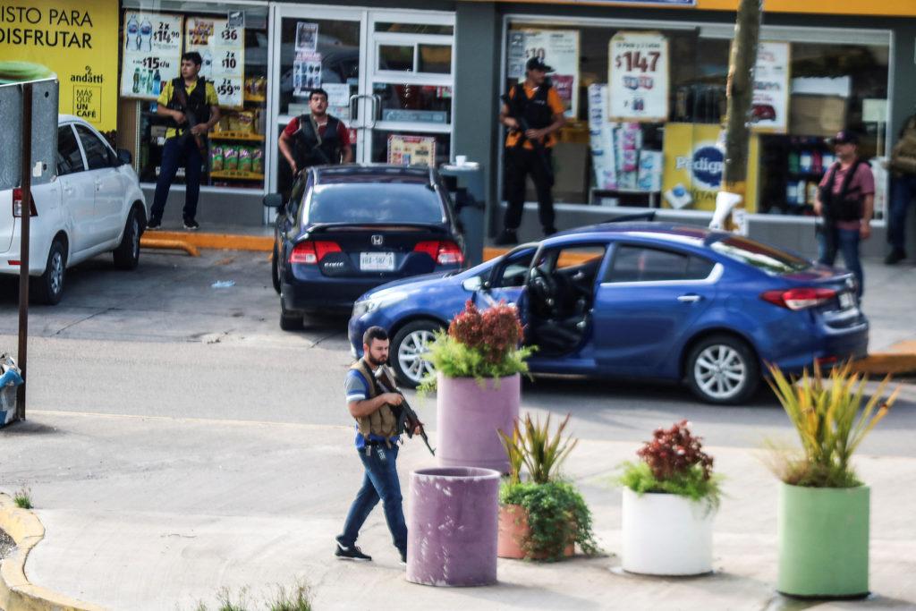 Cartel de Sinaloa recluto masivamente a jvenes en Culiacn para realizar Narcobloqueos y rescatar a su patrn
