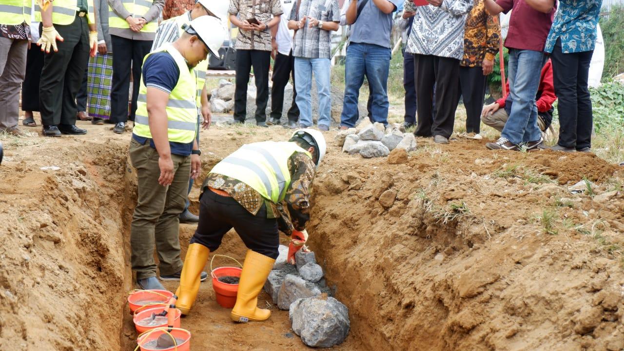 Peletakan Batu Pertama Tandai Dimulainya Pembangunan Pasar Induk Wonosobo