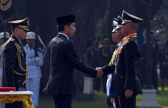 Inilah Lulusan Terbaik Akademi TNI-Polri Penerima Adhi Makayasa Dari Presiden Jokowi