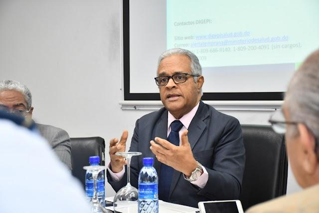 """Ministro de Salud reitera que no hay comprobado """"ningún caso"""" coronavirus en RD"""