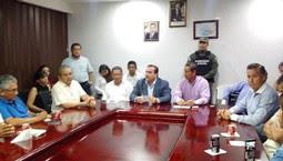 Luego de ser desmentido Javier Duarte de Ochoa se reúne con doctores en Minatitlán