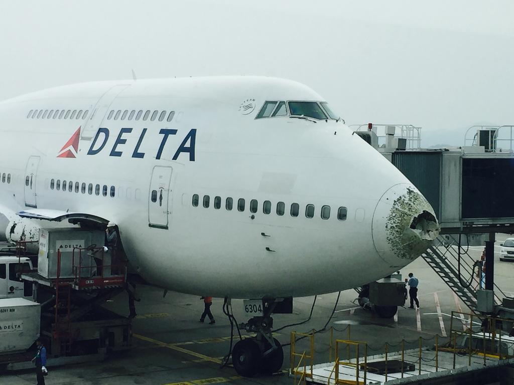Aero Pacific Flightlines Hail Pummels Delta 747 Over
