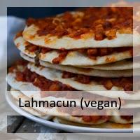 http://christinamachtwas.blogspot.de/2017/03/vegetarischen-veganen-lahmacun.html