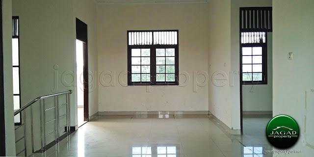 Rumah dalam Perumahan dekat Bandara