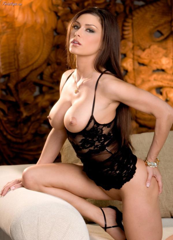 Jessica Jaymes gostosa peituda, bucetuda com piercing na buceta